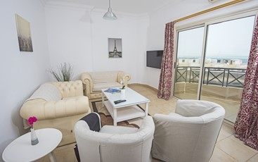 Panoramic Two Bedroom Apartment with Sea View